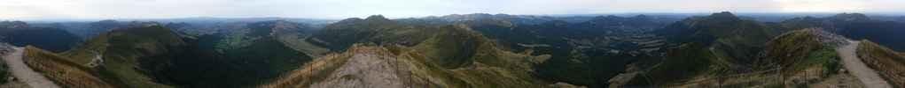 Auteur : Ulysse R, Commentaire : Panorama 360° des monts du cantal