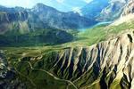 Auteur : Loic L, Commentaire : vue aérienne des derniers km du sanetsch