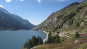 Auteur : Loic L, Commentaire : lac de Tignes... moment de récupération sur une portion plate :-) avant de remonter.