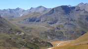 Auteur : Loic L, Commentaire : photo prise depuis la piste du col des rochilles ( on aperçoit le plan lachat en bas de l'image, la route se poursuit vers la gauche...)
