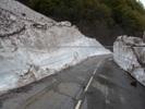 Montée : Col de la Croix de Fer depuis Barrage du Verney, Commentaire : Murs de neige juste aprés l'ouverture en mai 2013