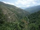 Montée : Col de Creu depuis Olette, Commentaire : En haut la route vers le col de Creu. Au milieu la séparation/descente vers le col de la Llose. En bas même route remontant vers le col de la Llose.
