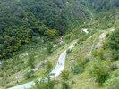Montée : Col de la Lombarde depuis Pratolungo, Commentaire : Une bonne dose de lacets pour commencer avant de longer la rivière plus douce en amont