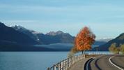 Author : Loic L, Comment : 18 octobre 2013, il est 8H50 et il fait environ 5°C. Je longe le lac de Brienz pour me rendre vers Interlaken où se trouvent deux ascensions EXTRAORDINAIRES :  - le GROSSE SCHEIDEGG et le MANNLICHEN