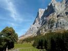Auteur : Loic L, Commentaire : le Grosse Scheidegg, par Grindelwald, est très difficile à photographier car les montagnes sont GIGANTESQUES. Impossible de faire passer sur photos l'ampleur du décor.   C'est très très rare...
