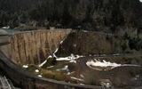 Montée : Col du Pourtalet depuis Laruns, Commentaire : Cette photo montre bien le dénivelé du pied du barrage de Fabrèges à son sommet (photo Sud-ouest).