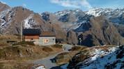 Auteur : Loic L, Commentaire : le refuge ( ou cabane) Brunet. 2103m.