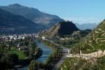 Author : Loic L, Comment : le Rhône.... Sion et son château perché sur la colline.  C'est le coin le plus beau de toute la vallée du Rhône...