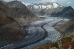 Auteur : Loic L, Commentaire : Les jours précédents l'ascension, les Suisses m'ont convaincu de jeter un oeil au glacier d'Aletsch...  J'ai pas été déçu !