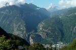 Author : Loic L, Comment : depuis la route d'Alesse, on aperçoit les gorges du Trient, le pont, et les lacets des Marécottes ( la station est à droite)...