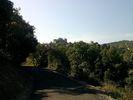 Montée : Col de Fontcouverte depuis L'Auxineill, Commentaire : L'approche vers Castelnou avec vue sur le château.