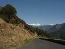Montée : Col de Portus depuis Jujols, Commentaire : Vue sur le massif du Canigou et le Pla Guilhem depuis la départementale qui monte à Jujols
