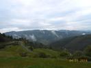 Montée : Col de Brun depuis Labatie d'Andaure, Commentaire : Les monts du Vivarais. on aperçois la route que l'on vient de grimper en contre bas. C'est le passage le plus difficile au lieu dit 'Les Grangettes'. Un passage à 11%.