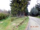 Montée : Col de Brun depuis Labatie d'Andaure, Commentaire : La route que l'on vient de gravir....une dernière ligne droite à 6%. 8°C au sommet. Brrrrr frisquet en ce mois d'avril. Mais route sèche. Ouuf tant mieux pour la descente par St Agrève.