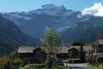 Author : Loic L, Comment : Vue depuis Saxeten. La route se poursuit vers cette impressionnante montagne !!!