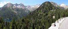 Montée : Lac d'Aumar depuis Saint Lary Soulan, Commentaire : Vue sur le lac d'Orédon. Tout à fait à droite le massif de Néouvielle.