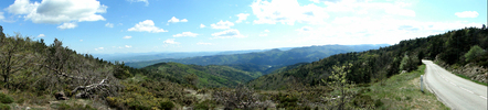 Montée : Col de Serre-Mure depuis Saint Laurent du Pape, Commentaire : Avril 2014: Panorama sud une fois en haut. C'est bien mérité.