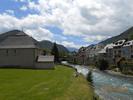 Montée : Col de Peyresourde depuis Avajan, Commentaire : Arreau. Le pont en arrière plan, c'est le pied de la montée.