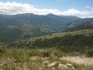 Montée : La Collada depuis Joncet le Sola, Commentaire : Jujols et la piste qui monte vers le col de Portus