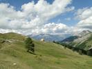 Montée : Col d'Allos depuis Barcelonnette, Commentaire : Droit devant, l'auberge du col d'Allos. Sur la gauche le col.