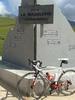 Auteur : Pierre G, Commentaire : Nouveau monument inauguré en juillet 2014 avec les 'profils' des deux côté. Très réussi.