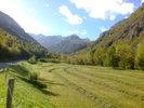 Montée : Col de Tentes depuis Luz Saint Sauveur, Commentaire : dans la vallée en direction de Gavarnie, 25 octobre 2014
