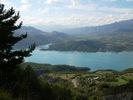 Author : Florent L, Comment : Au cours de la montée, des zones au bord de la falaise permettent de bénéficier d'un point de vue superbe sur le lac de serre-ponçon !