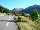 Montée : Station des Orres depuis Embrun, Commentaire : Panneau d'entrée dans la station des Orres ! La montée se prolonge encore un moment avant la fin de la route goudronnée !